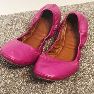 Lucky Brand Emmie flats leather fuchsia size 10